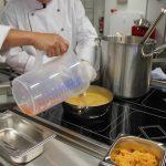Zubereitung in der warmen Küche